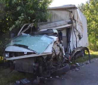 W Chłopicach zderzyły się dwie ciężarówki [ZDJĘCIA]