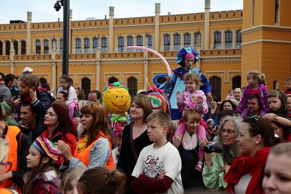 Parada Bave Kids. Odważne dzieciaki zatańczyły sambę