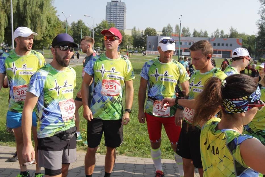 VIII Tyski Półmaraton zgromadził tłumy biegaczy