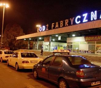 Neon z dworca Łódź Fabryczna zostanie w Łodzi? Ma go przejąć łódzkie Lapidarium