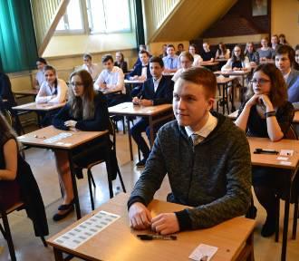 Egzamin gimnazjalny 2018 w Rybniku: Gimnazjaliści z Powstańców nie stresowali się przed polskim