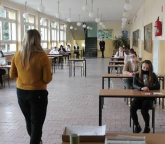 Zobaczcie, jak egzamin pisali maturzyści w ZS w Górze [ZDJĘCIA]