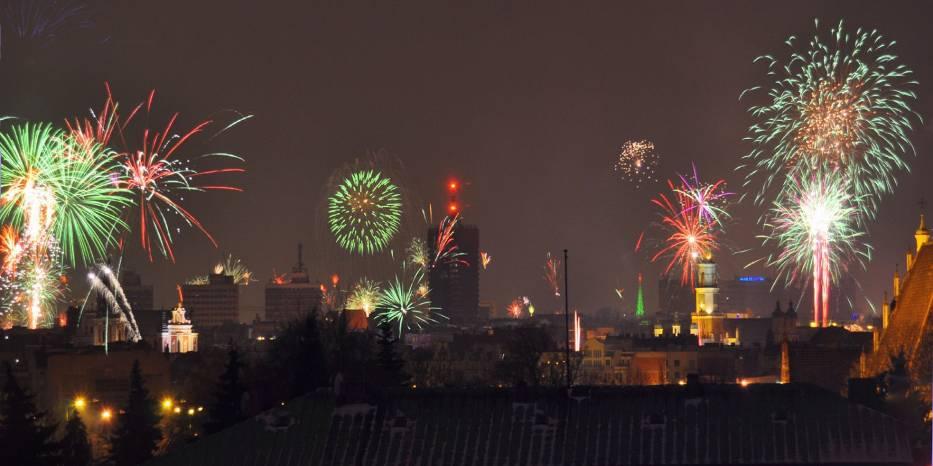 Fajerwerki oświetlały dachy nawet najwyższych budynków w Poznaniu