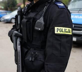 """Ile policjant zarabia """"na rękę""""? Zarobki policjantów wg stanowisk"""