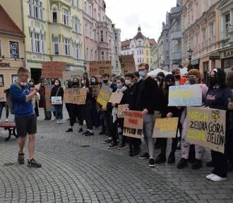 Strajk klimatyczny w Zielonej Górze. Młodzi mają dość, że nie myślimy o przyszłości