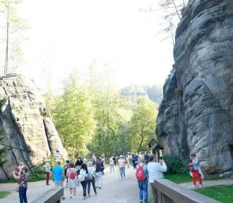 Stargardzcy i szczecińscy emeryci zwiedzali niezwykły labirynt w Czechach