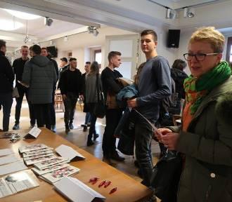 Zielona Wyspa Żory i Targi Edukacyjne w Żorach - młodzież chętnie odwiedziła Dom Kultury - ZDJĘCIA