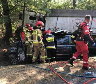 Poważny wypadek w Ostrowinie. Siedem osób jest poszkodowanych, w tym jedna ciężko