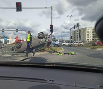 Wypadek w Poznaniu na skrzyżowaniu  ul. Szeligowskiego i Opieńskiego