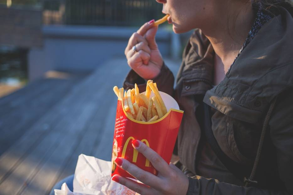 ObżarstwoGrzechem ciężkim w 2017 roku została produkcja niezdrowej żywności
