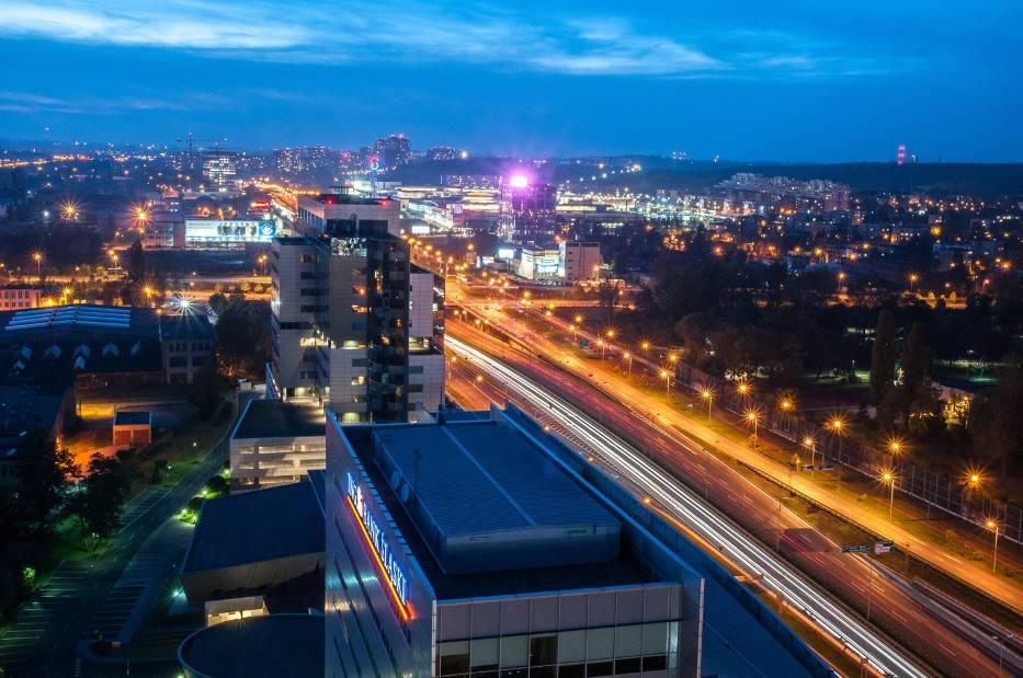 Ile zarabia się w Katowicach? Oto autentyczne stawki pracowników biurowych