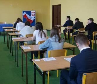 Dziś egzaminy gimnazjalne z języków obcych