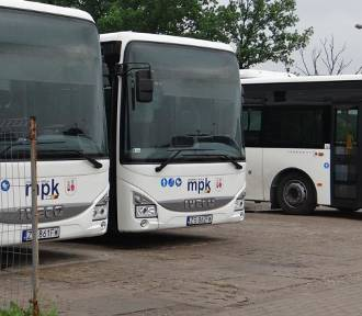 MPK wydzierżawi trzy autobusy. Na ulice miasta wyjadą jesienią [FOTO]