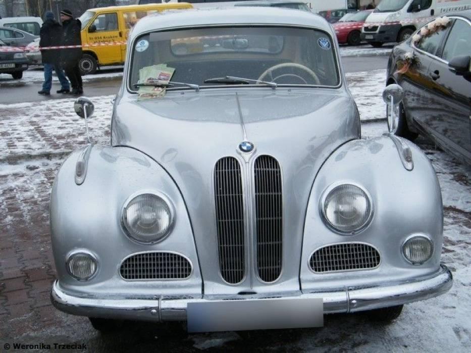 Samochód wzbudził sensację za sprawą potężnej karoserii