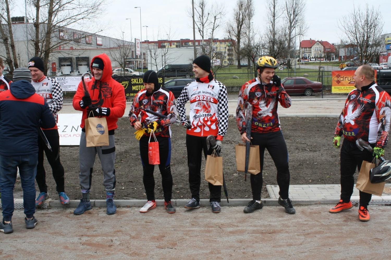 Turniej Mikołajkowy z udziałem zawodników Orzeł Gniezno i Start Gniezno na otwarcie toru speedrowerowego w Gnieźnie