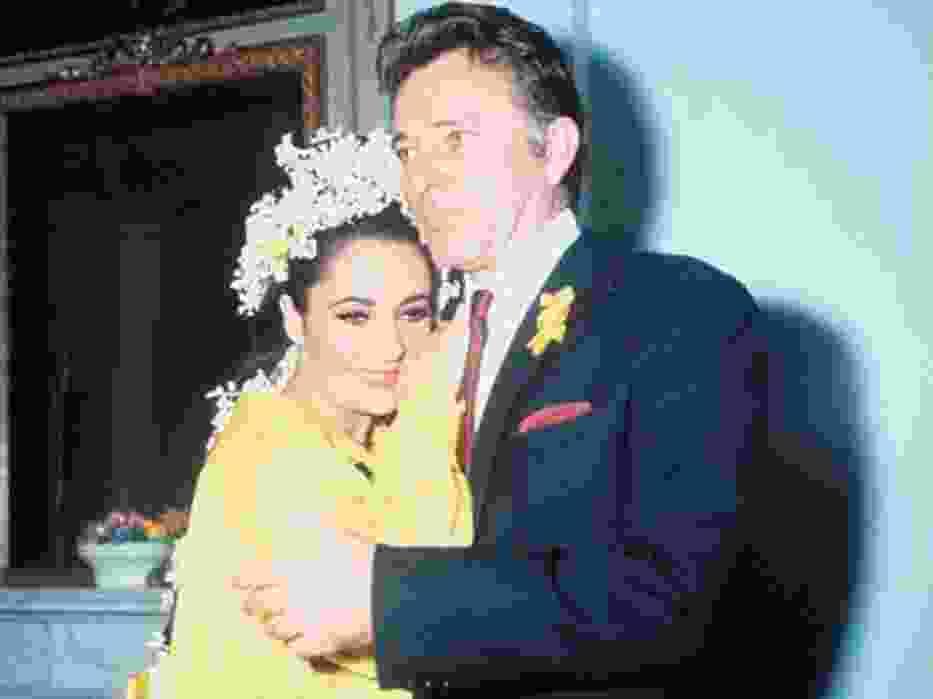Najbardziej znaną parą na świecie, która popełniła małżeńską recydywę , są Elizabeth Taylor i Richard Burton