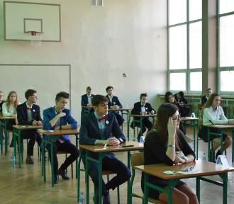 Egzamin gimnazjalny z matematyki i przyrody w SP nr 2 w Kościanie FOTO