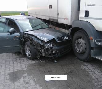 Wypadek w Gniewie. 19-latek trafił do szpitala [ZDJĘCIA, AKTUALIZACJA]