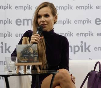 """Doda spotkała się z fanami w Opolu. Promowała najnowszą płytę """"Dorota"""" [ZDJĘCIA]"""