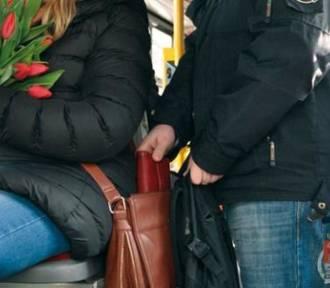 Jak zrobić bezpiecznie przedświąteczne zakupy? - policja radzi