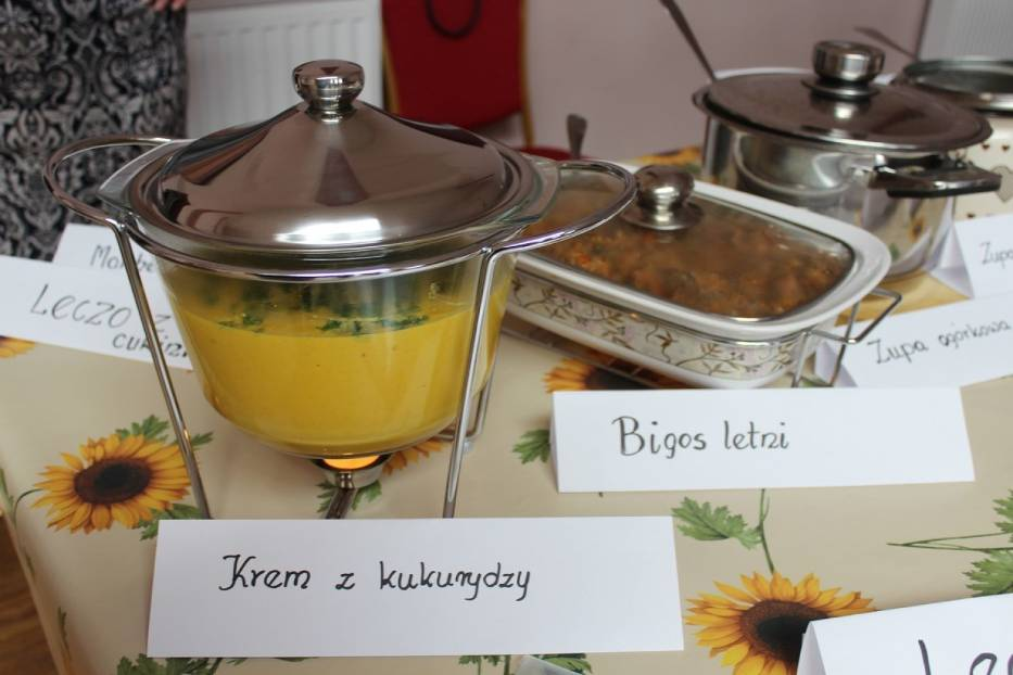 Nądnia. Degustacja potraw i kiermasz przetworów domowych w sali wiejskiej