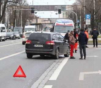 Wrocław. Wypadek na Grabiszyńskiej. Dwoje dzieci w szpitalu [ZDJĘCIA]