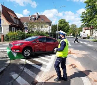 Stłuczka dwóch aut na skrzyżowaniu ulic Łukasińskiego i Reduty Ordona w Szczecinie