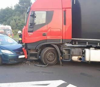 Groźny wypadek pod Skwierzyną. Dwie osoby ranne [ZDJĘCIA]