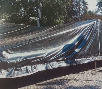 Bialscy nastolatkowie uszkodzili scenę na Placu Wolności