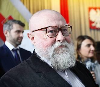 Profesor Jerzy Bralczyk zachęca do kupowania książek seniorom