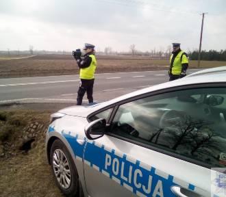 """Akcja """"Prędkość"""" w powiecie aleksandrowskim. Jechał 132 km/h w terenie zabudowanym"""