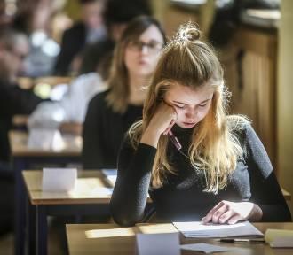 Egzamin Gimnazjalny 2018 część humanistyczna: język polski, historia, WOS [arkusz, odpowiedzi,