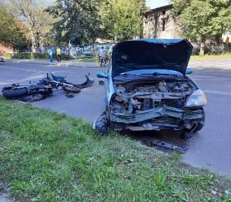 Wypadek motocykla w Zawierciu. Trzy osoby ranne