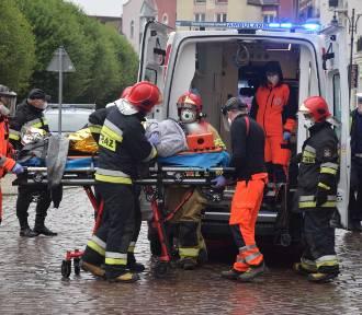 Starsza pani potrącona na ulicy Kościuszki w Malborku [ZDJĘCIA]
