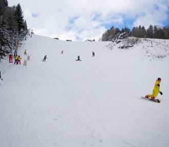 Cudowna zima w Rzeczce, czynne wyciągi, bierzcie narty i sanki! [AKTUALNE ZDJĘCIA]