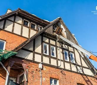 Strzelce Kraj. Rozpoczął się kapitalny remont dachu świetlicy w Gardzku (ZDJĘCIA)