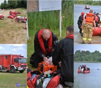 Samochód zatonął w jeziorze Orłowskim. Uwięzione były dwie osoby [zdjęcia z ćwiczeń]
