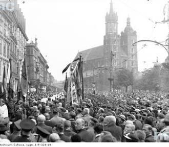 Kraków. Procesje Bożego Ciała na archiwalnych fotografiach [ZDJĘCIA ARCHIWALNE]