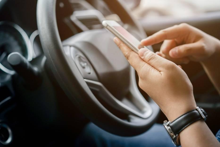 Prawo jazdy przez InternetKierujący pojazdami posiadający polskie prawo jazdy będą zwolnieni z obowiązku posiadania przy sobie i okazywania dokumentu podczas kontroli drogowej na terytorium Polski