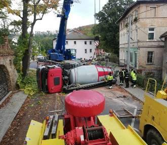 Oszukali przeznaczenie i cudem uniknęli śmierci pod betoniarką! Pomogli wałbrzyszanie