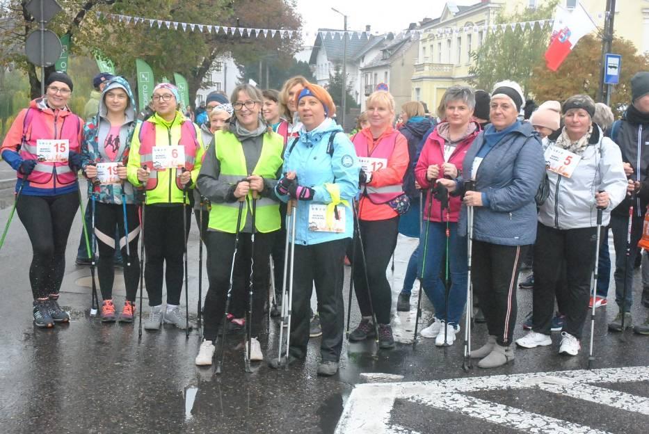 KOŚCIAN. Marsz nordic walking w ramach Święta Biegania z Coccodrillo