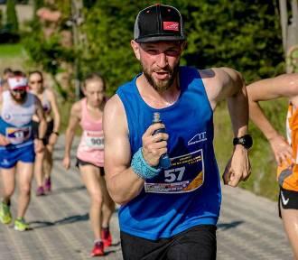 Tylko dla twardzieli. 11 Bieg na Wielką Sowę, Mistrzostwa Polski Weteranów w Biegu Górskim (ZDJĘCIA)