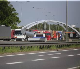 Korki na A4 w Katowicach. To przez remont wiaduktu za węzłem Murckowska. Roboty potrwają do końca