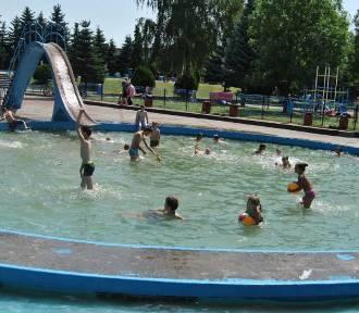 Pamiętacie upalne lato i wakacje na grodziskich basenach?