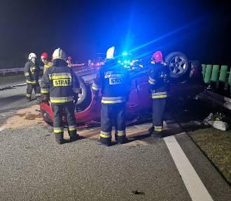 Poranny wypadek na autostradzie A2 w okolicach Wąsowa. Ruch był wstrzymany [ZDJĘCIA]