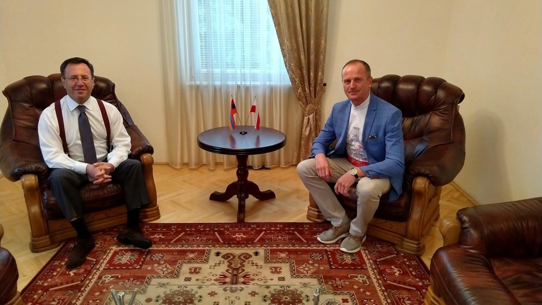 Marek Paw otrzymał niespodziewane zaproszenie do Ambasady Armenii w Polsce