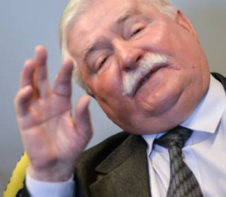 """""""Jeden z bliźniaków nie żyje, drugi jest nienormalny"""" - napisał Lech Wałęsa na facebooku"""