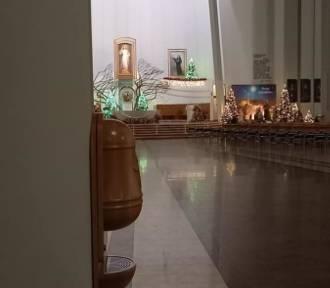 W sanktuarium w Łagiewnikach pojawiły się... bezdotykowe kropielnice [ZDJĘCIA]