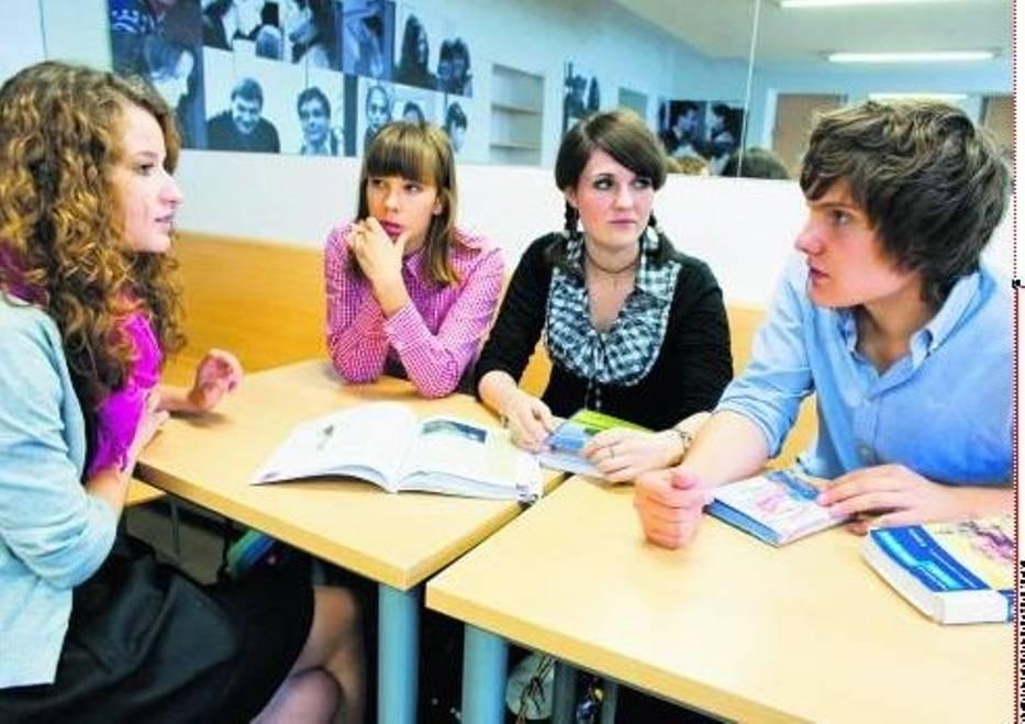 Ania Jęchorek, Aleksandra Cieślak, Anna Mikołajczak i Jarema Sawiński już wybrali dodatkowe przedmioty – postawili na języki angielski i francuski, biologię i historię