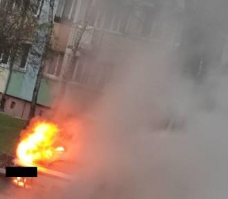 Pożar samochodu przy ulicy Łokietka w Inowrocławiu